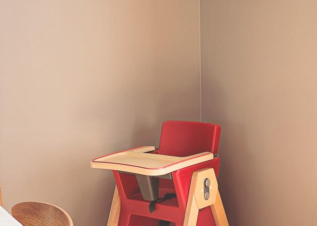 Chaise haute moderne vs chaises vintages