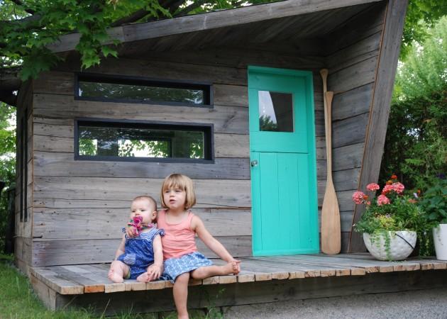 Les soeurs Bombardier sur leur terrasse