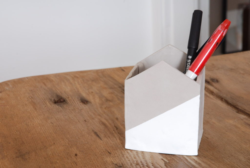 DIY porte-crayon en forme de maison