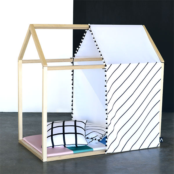 Maisonnette de jeu et panneaux de tissu