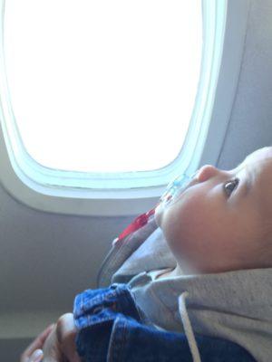 BB Jetlag : des vêtements pour bébés en avion.