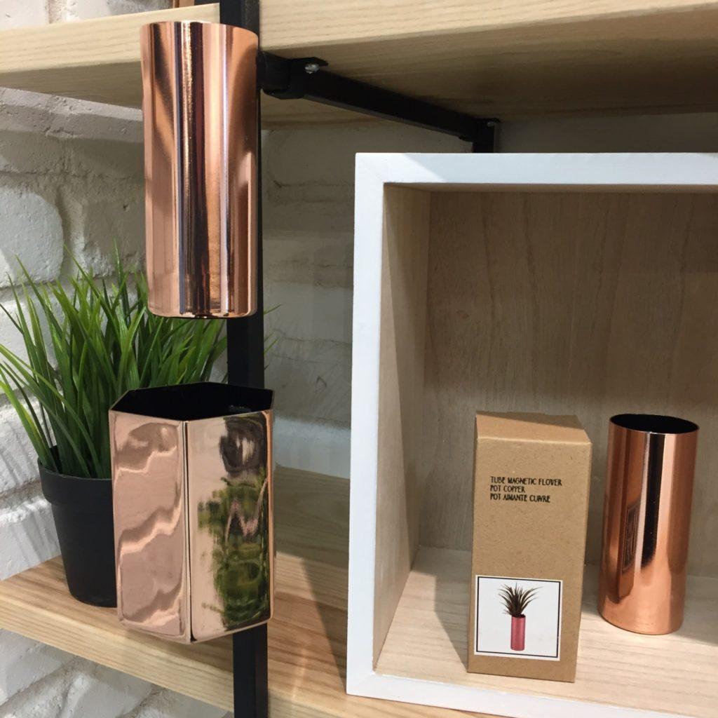 Vases métalliques cuivrés à 14,99$ et 17,99$ à la Galerie du Design