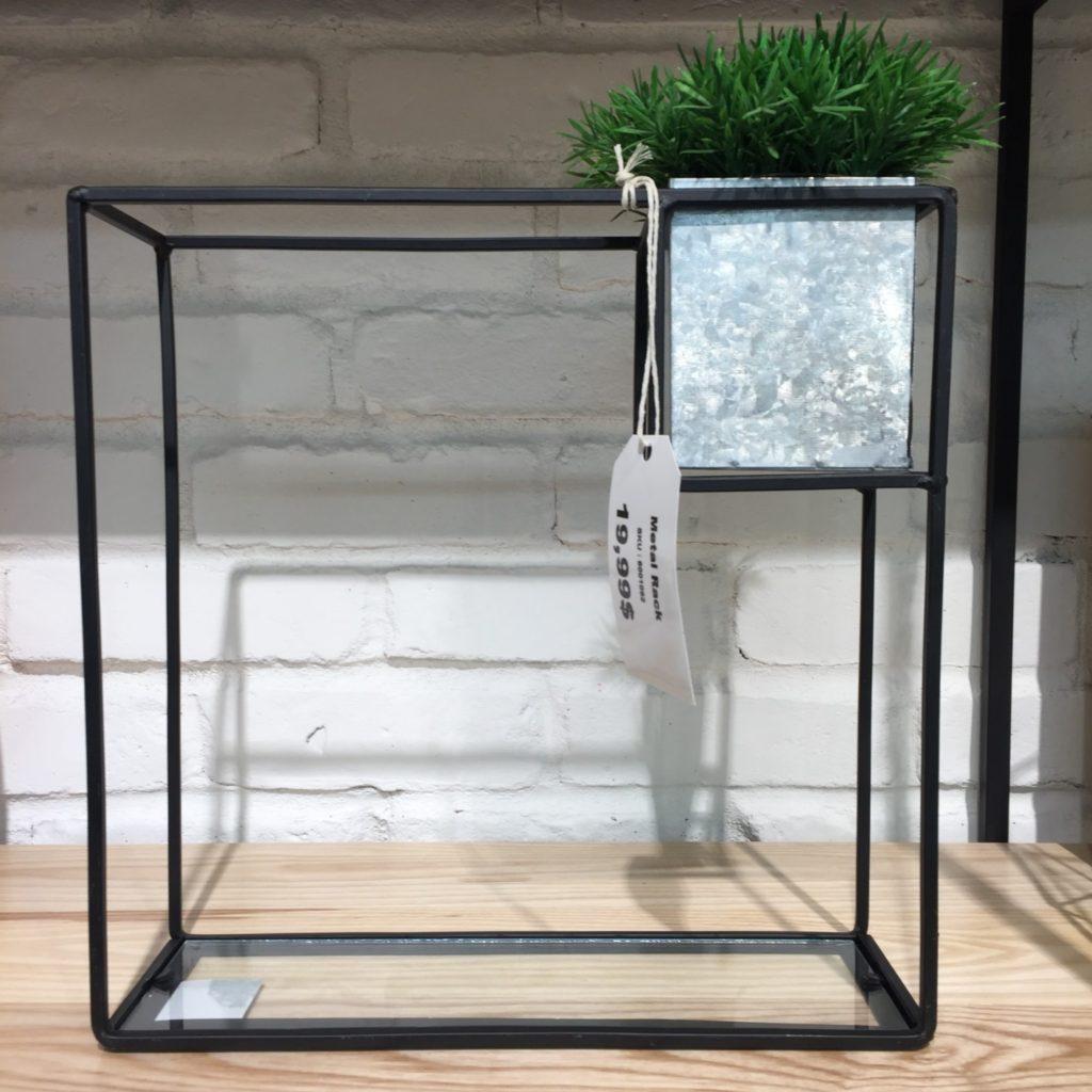 Support à plantes décoratif 19,99$ à La Galerie du Design
