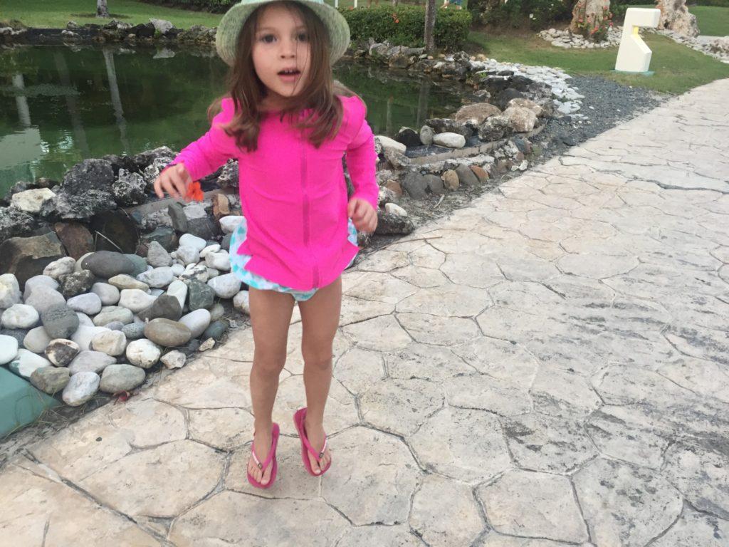 Bikini turquoise 29,95$ + veste rashguard chez Gap 29,95$