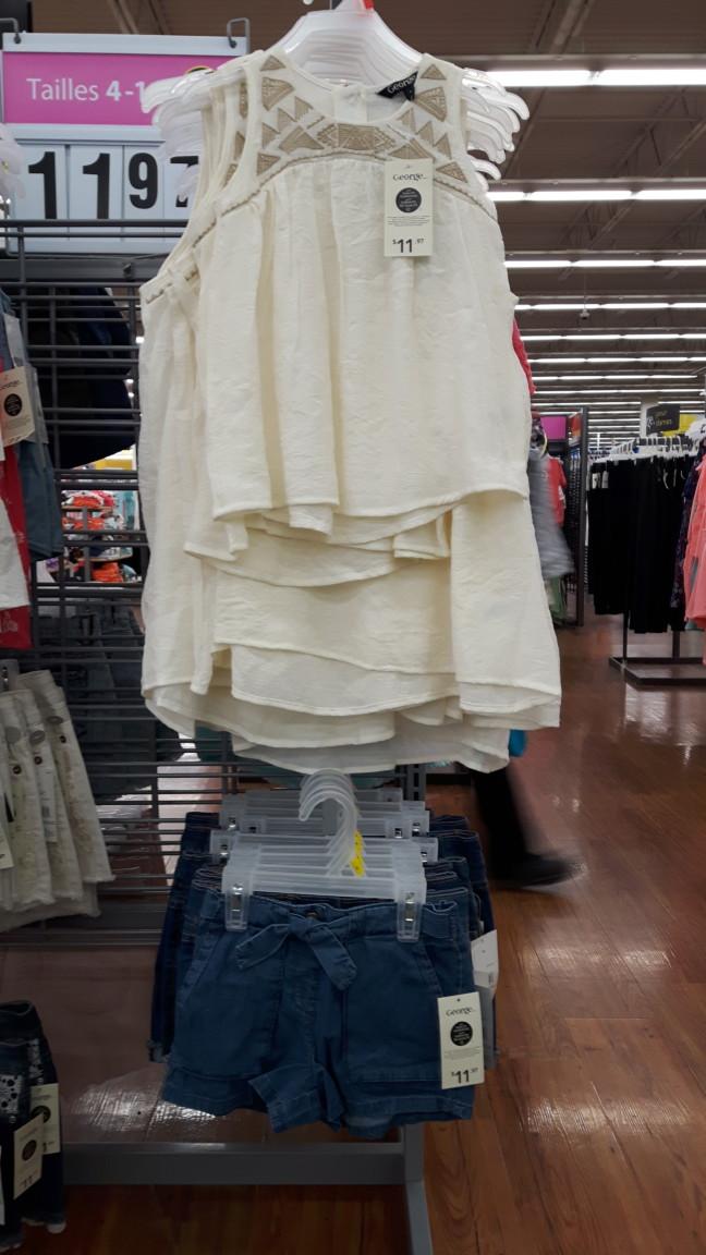 Wal-Mart camisole beige et short à noeud