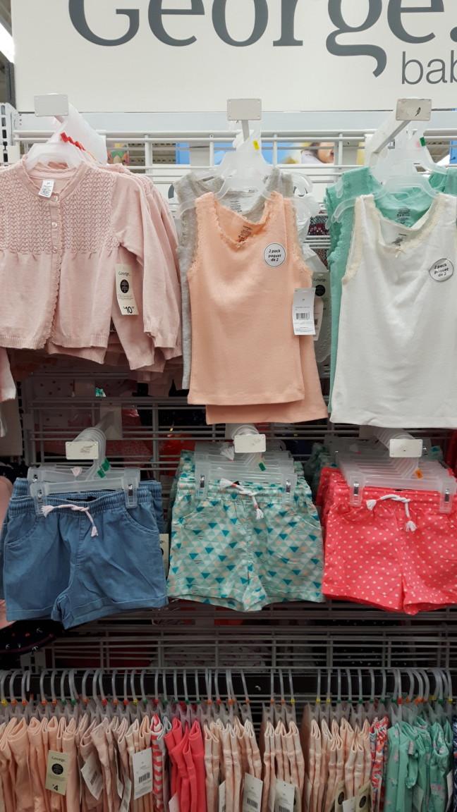 Wal Mart shorts camisoles et cardigan