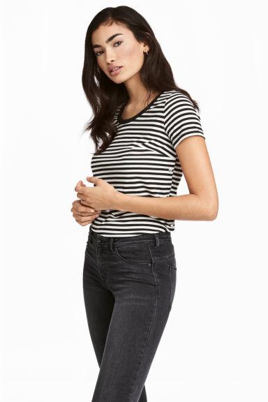 T-shirt d'allaitement a bouton latéraux 39,99$
